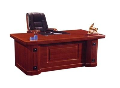 Tại sao kích thước bàn giám đốc phải đạt chuẩn?