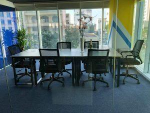 Chọn chiều cao của bàn ghế giám đốc là bao nhiêu?